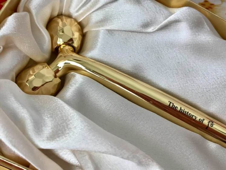 Historia whoo gold anti aging massage roller review. Masażer dla cesarzowych.